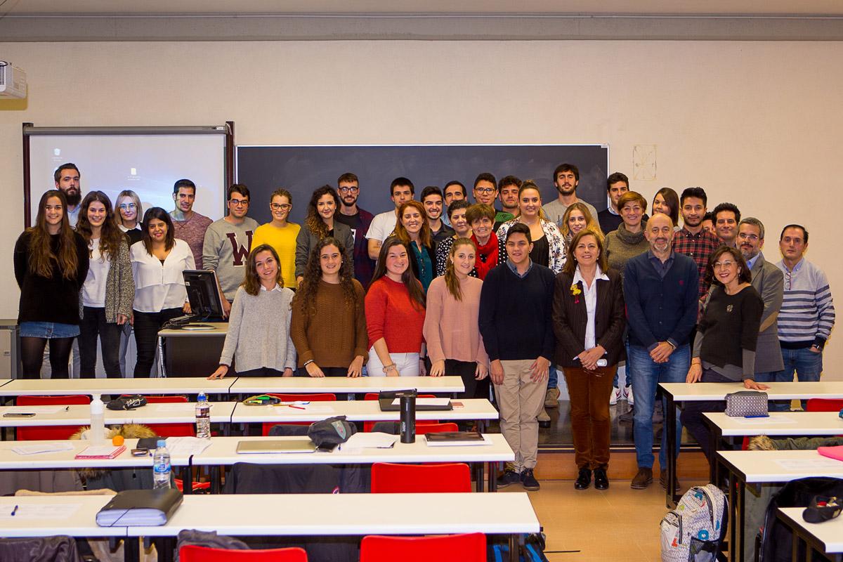 Sesión Con Los Alumnos De Comunicación Publicitaria En La UR