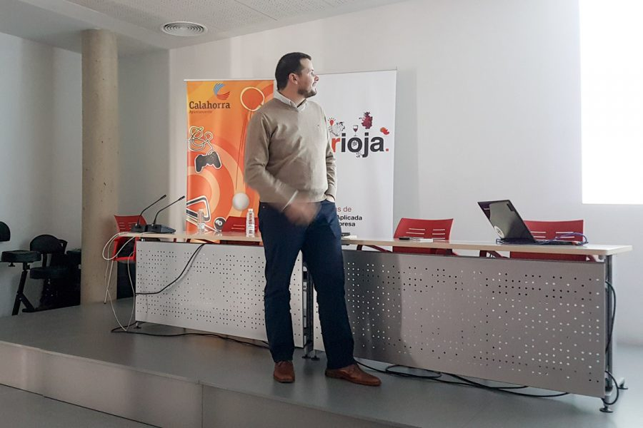Carlos Tarragona, De Drónica Solutions, En La Jornada De Crearioja En Calahorra