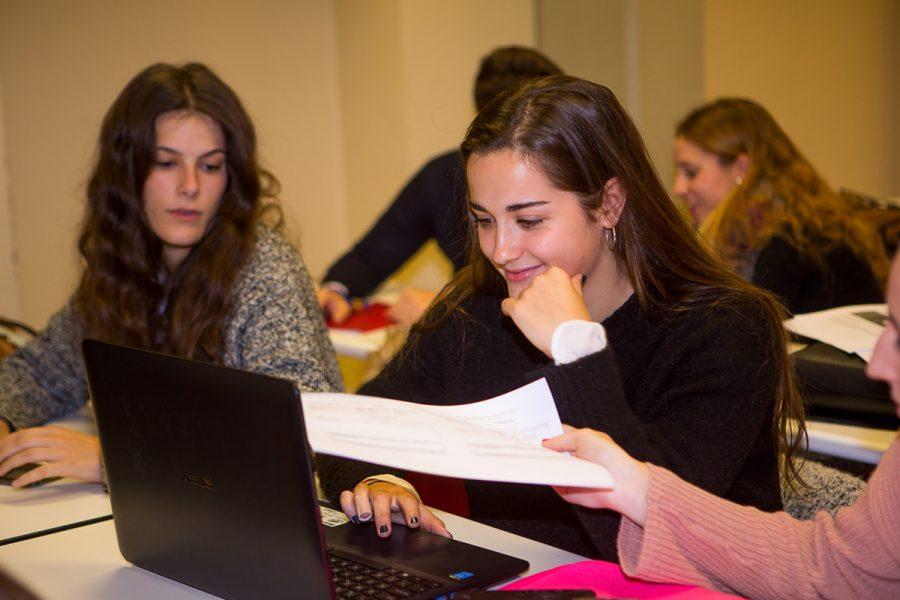 A crear partició en una sesión en la UR con alumnos de Comunicación Publicitaria