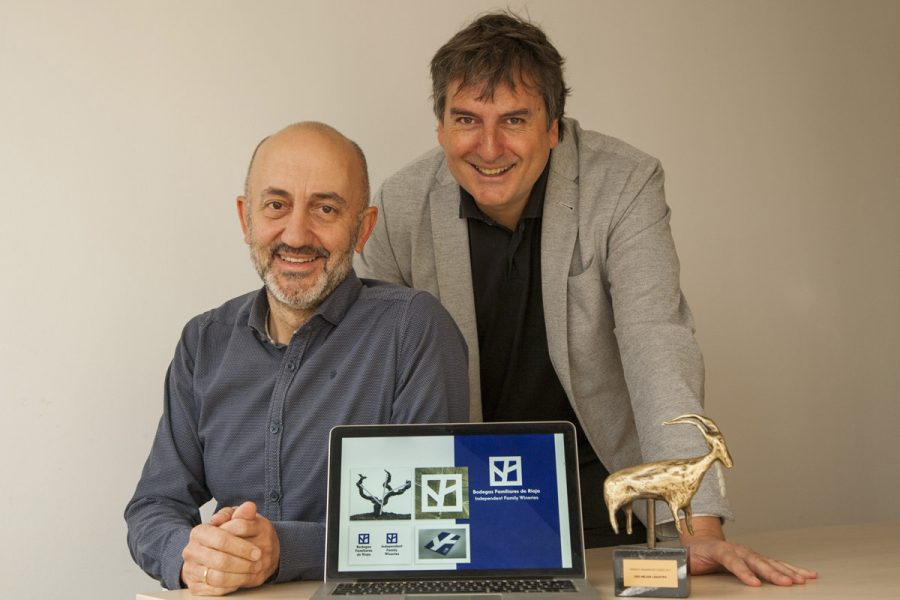 Lles ganó un Premio Anuaria de Oro 2017 por el logo de Bodegas Familiares de Rioja